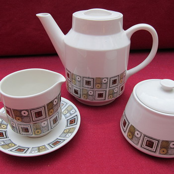 Kathie Winkle Rushstone - China and Dinnerware