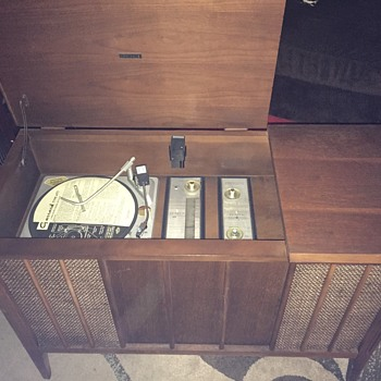 Zenith Garrard AT5 turntable Console