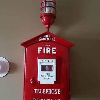 Gamewell Fire Alarm Call Box With Top Light 1950's - Firefighting