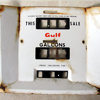 Gulf gas pump face - Petroliana