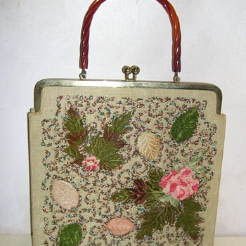 Who made this vintage purse ? - Womens Clothing