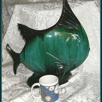 BLUE MOUNTAIN POTTERY - FISH - CANADIAN - Art Pottery