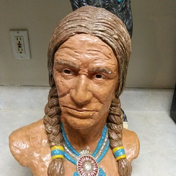 NATIVE AMERICAN  BUST - Visual Art