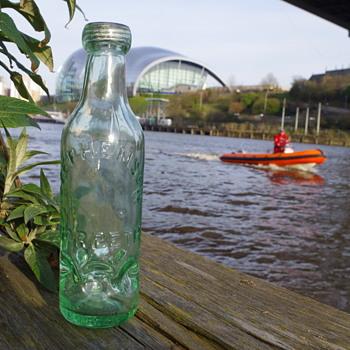 STEPHSON MORPETH SYKES MACVAY PATENT 18877 - Bottles