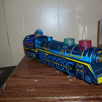PRESSED TIN LOCOMOTIVE - Model Trains
