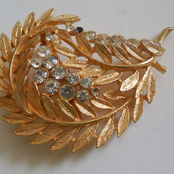 Gold-tone Leafy Brooch with Rhinestones - Costume Jewelry
