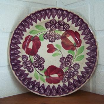 Portneuf orScottish spongeware plate.Signed John Thomson Granite - China and Dinnerware