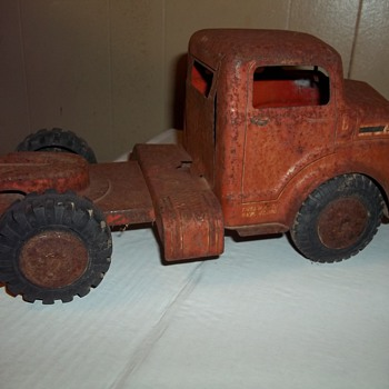  VINTAGE MARX  TRUCK TRACTOR