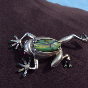 1930&#039;s frog jelly belly - Costume Jewelry