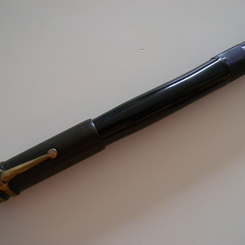 ANTIQUE MONTBLANC PEN - Pens