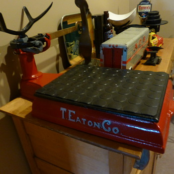 The T Eaton Co. scale - Tools and Hardware