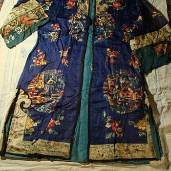 Antique Embroidered Chinese Silk Gown ca 1907