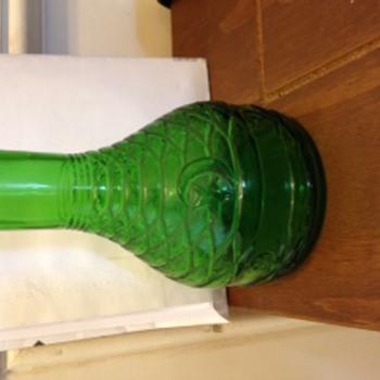 Green antique bottle ?- Bagdad - Bottles