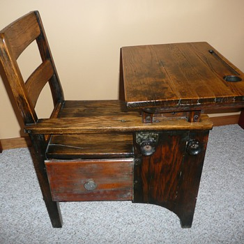 1900s student desk - Furniture