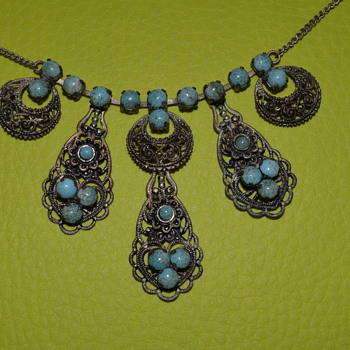 Vintage necklace with faux turquoise