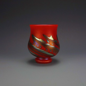 CHARLES LOTTON MANDARIN-RED FOOTED CHALICE VASE   - Art Glass
