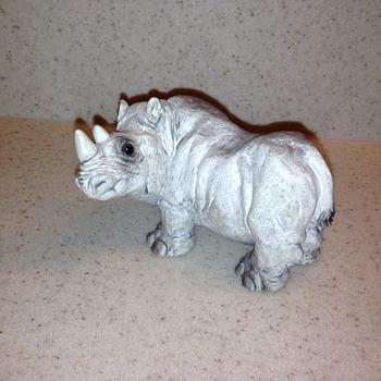 Rhino Figurine - Figurines