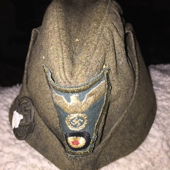 World War 2 German Oversea's Cap ??? - Military and Wartime