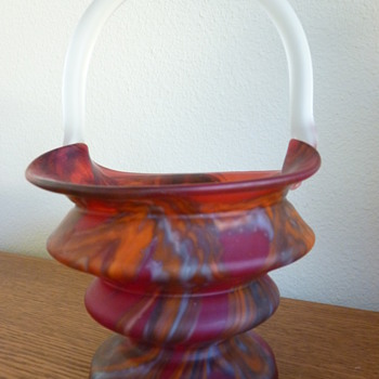 My one token Kralik Deco basket.  - Art Glass