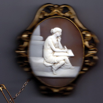 Family brooch I believe it is from Staffordshire England probably about 1850s 