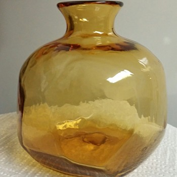 "Unsigned Amber Eye Candy. 5-1/2"" tall 5"" wide multi facet blown vase.   - Art Glass"