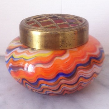 Swirled/marbled almost miniature urn