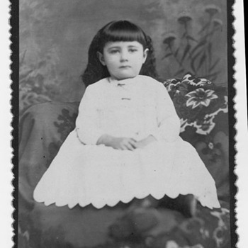 Cabinet card of a girl? Memorial photo