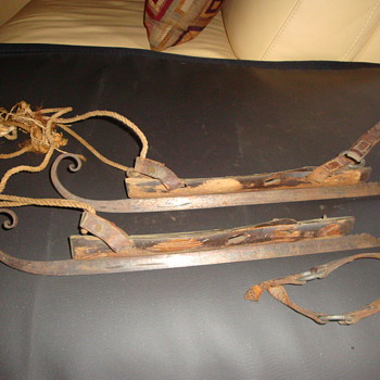 1800's ice skates - Sporting Goods