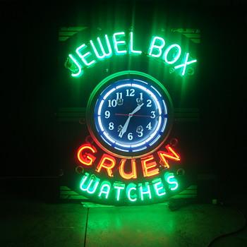 Jewelbox gruen watches porcelain neon sign and clock