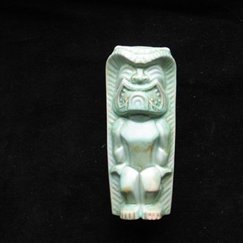 HAWAII TIKI green ceramic   - Art Pottery