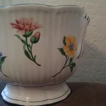 Tiffany vase with Painted flowers - Art Pottery