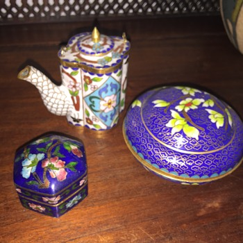 3 colorful cloisonné pieces - Asian
