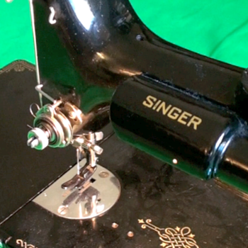 Singer Featherweight 221 Sewing Machine SNAE055966 - Sewing