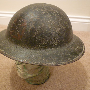 British WW1 helmet, believed to be from the Rifle Brigade - Military and Wartime