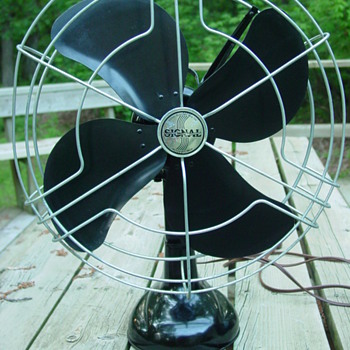 1940s Signal Model 1251 Black 3-Speed Oscillating Fan