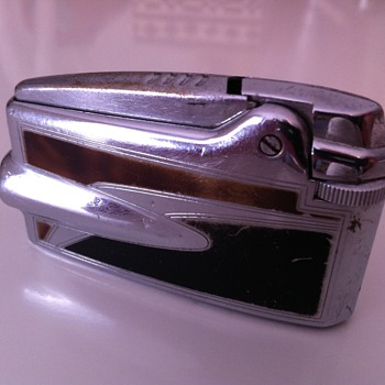 1950's Ronson Varaflame Lighter