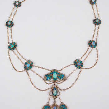 Arts & Crafts -- Agnes Pool enamel and opal necklace