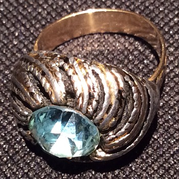 Antique ring - Costume Jewelry