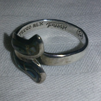 Eaglemarked Taxco Mexico Abalone ring probably 1950's
