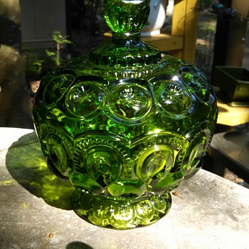 Green Moon&Star L.E Smith lidded bowl