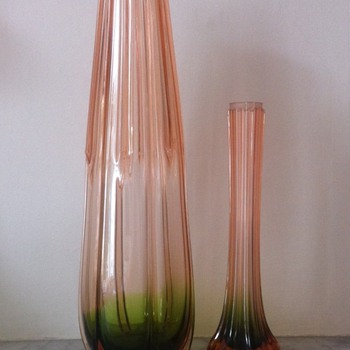Two more rubina-verde ribbed vases