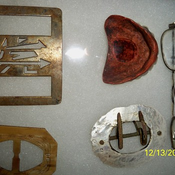 ITEMS FOUND IN SULLIVAN,MAINE DIG...BUCKLE WITH CUT OUT DESIGN,NEED HELP ID