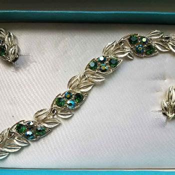 Vintage LISNER Blue-Green Rhinestone Bracelet & Earrings in Original Box