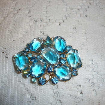 German 1940&#039;s  Brooch - Costume Jewelry