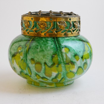 Frank Welz, Art Deco Bohemian Posie Vase with Frog, Circa 1920 - Art Glass