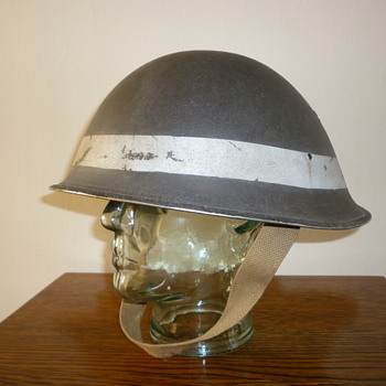 British WWII D-Day Beach Group steel helmet - Military and Wartime