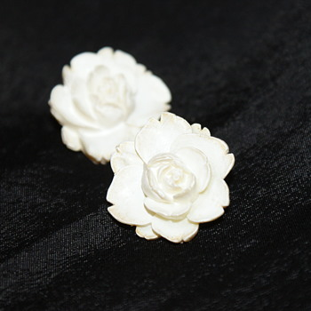 Vintage Celluloid Flower Earrings