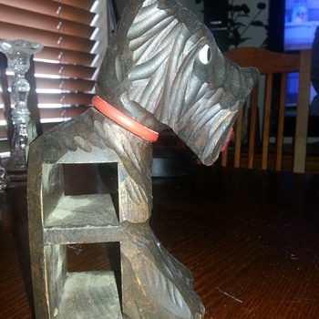 SCOTTISH TERRIER CARVED WOODEN PIPE HOLDER? - Animals