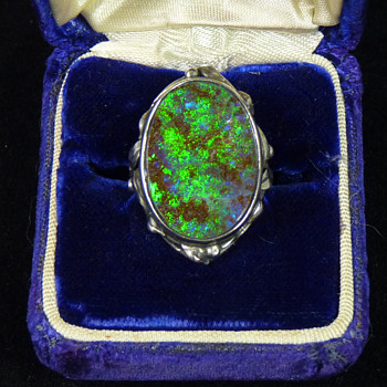 A Rhoda Wager Silver Ring, with a Large Boulder Opal - Fine Jewelry
