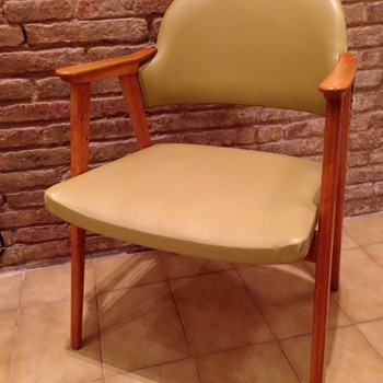 Mid-century arm chairs - Furniture